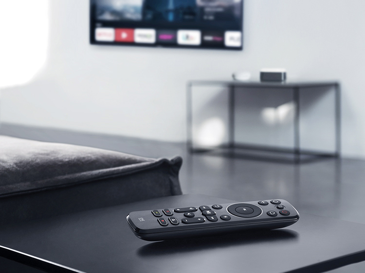 URC7935 Streamer Remote
